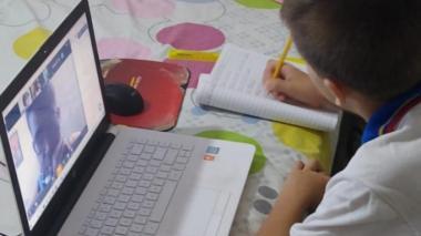La Gobernación de Bolívar y Computadores para Educar han entregado 2.892 computadores en 11 municipios.