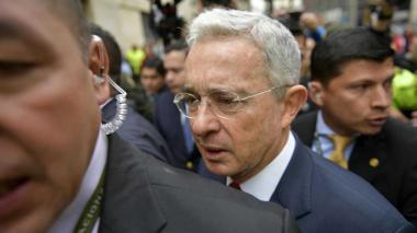 Uribe pide a la Corte que su expediente sea público