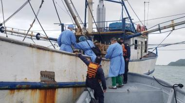 Dimar atiende llamado embarcación atascada en Bocas de Ceniza