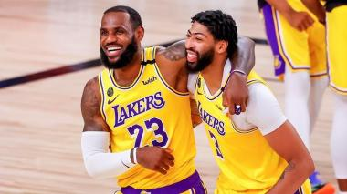 LeBron James y Anthony Davis, los pilares de los Lakers esta temporada.