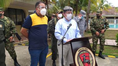 El ministro de Defensa, Carlos Holmes Trujillo, responsabilizó a alias Héctor Aguilar, Ferley y Sierra.