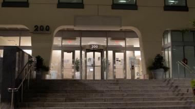 En la imagen, la entrada a la sede de la empresa de biotecnología Moderna en Cambridge, Massachusetts, EE. UU.