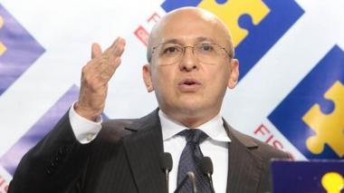Denuncian a exfiscal Montealegre por caso Springer