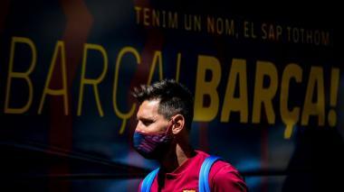 """El diario 'L'Équipe' señaló que aunque el padre del jugador respondió """"amablamente"""" a la llamada, Messi habría elegido fichar por el equipo de Guardiola."""