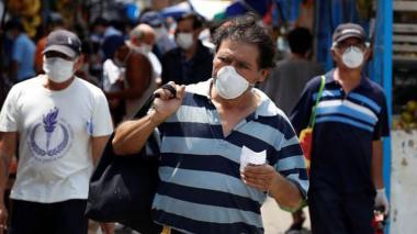 Las primeras reinfecciones en América causan dudas tras 6 meses de pandemia