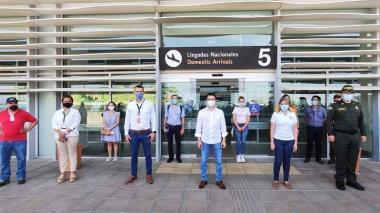 Alcaldesa de Santa Marta supervisa normas de bioseguridad en el aeropuerto