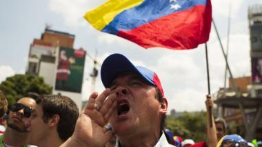 Diputados opositores cuestionan legitimidad de Maduro para otorgar indultos