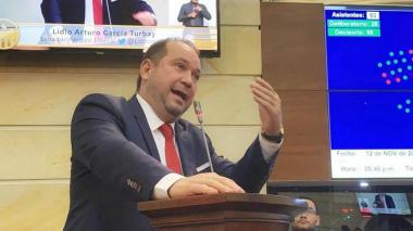 Senado no aprobó tránsito de tropas de EE.UU: Lidio García