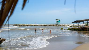 Minsalud establece medidas para turistas y trabajadores en playas