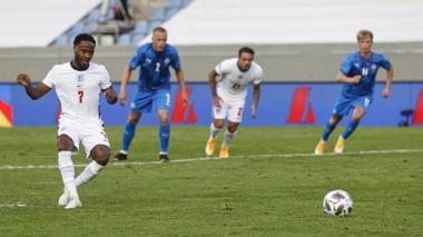 Raheem Sterling marcó el único gol del compromiso.