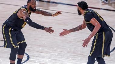 Bucks y Lakers logran sus primeras victorias en semifinales