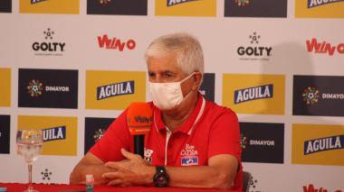 Julio Comesaña en la rueda de prensa previa al juego de ida de la final de la Superliga ante América de Cali.