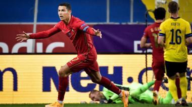 Cristiano hace historia con su gol 100 vistiendo la camiseta de Portugal