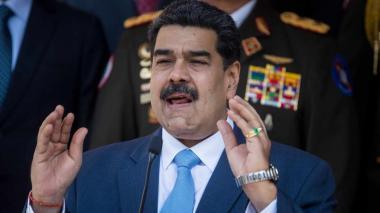 Maduro dice que vacuna rusa contra Covid-19 llegará este mes a Venezuela
