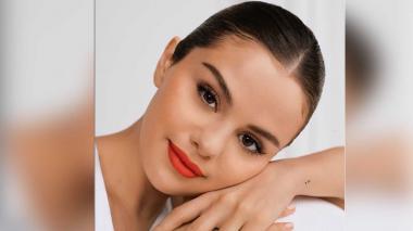 """Selena Gómez confiesa que recibió presión para venderse más """"sensual"""""""