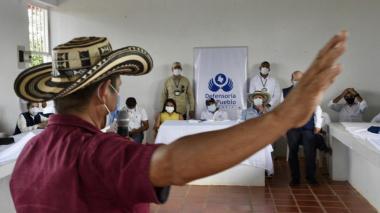 El defensor del Pueblo escuchó a algunos de los desplazados de San José de Uré.