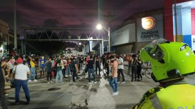 En video | Protesta de jóvenes en Barranquilla por muerte de abogado