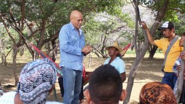 Familia de docente secuestrado en La Guajira pide más acciones a su favor