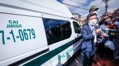 Alcaldía y Policía disponen 15 CAI móviles en Bogotá