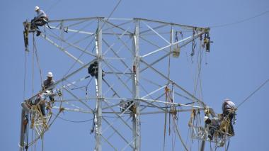 Asoenergía advierte por retrasos en obras energéticas