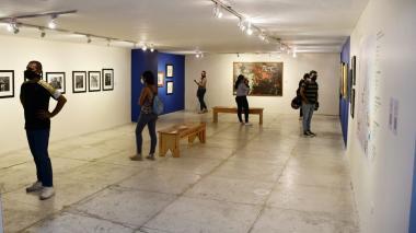 Visitantes en la inauguración de la muestra 'Cinco leyendas. Un siglo'.