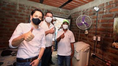 Minminas y gobernador de La Guajira entregaron soluciones de electrificación