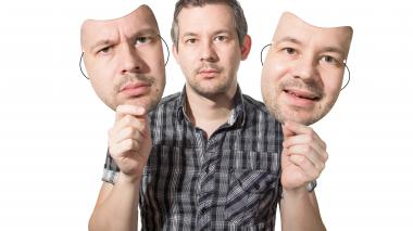 La máscara que camufla al maltratador