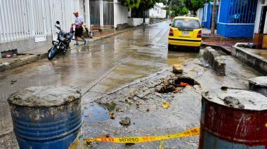 En Las Estrellas los vecinos ubicaron tanques con cemento para avisar del peligro.