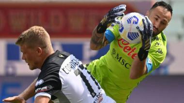 El Nápoles, con Ospina, arrancó la Serie A con triunfo frente al Parma