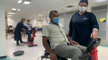 Rehabilitación física y pulmonar después de COVID-19