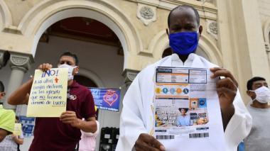 """Protestan por """"atropellos"""" de Electricaribe contra la iglesia Chiquinquirá"""