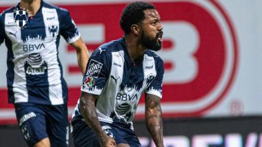 Dorlan Pabón celebrando una de sus anotaciones con Monterrey.