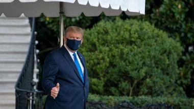 Trump es internado en el Hospital Naval tras dar positivo para Covid