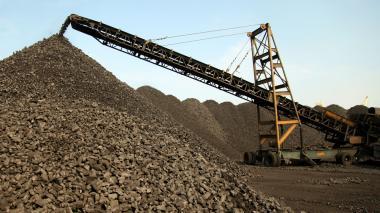 Carbón coque listo para exportación en la Sociedad Puerto de Barranquilla.