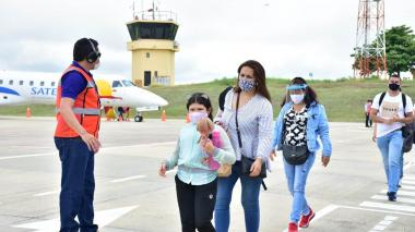 Se reanudaron los vuelos en el Aeropuerto Las Brujas, en Sucre