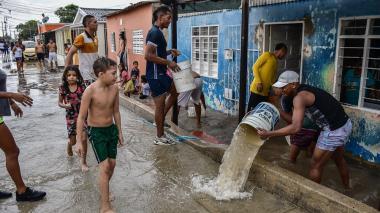 Torrencial aguacero deja varias viviendas inundadas en Rebolo