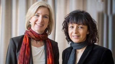 Nobel de Química a dos científicas por reescribir el código de la vida