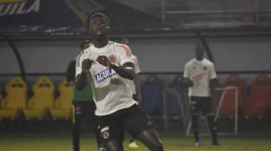 Dávinson Sánchez durante un entrenamiento de la Selección Colombia.