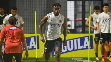 """""""No le veo el problema de compartir ataque con Falcao"""": Duván Zapata"""