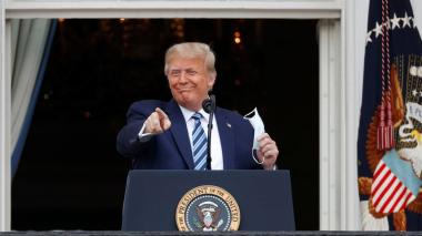 Trump lidera acto público con mensaje a negros e hispanos