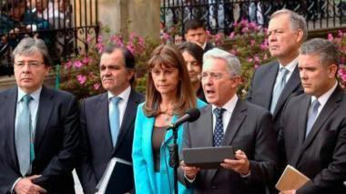 Álvaro Uribe Vélez junto a los precandidatos de los pasados comicios presidenciales de 2018.