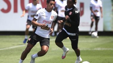 Hambre de revancha de Perú ante Brasil, su peor rival en eliminatorias