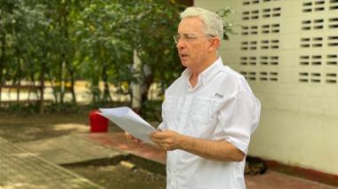 """""""Ojo con el 22"""": sentencia Álvaro Uribe por riesgo de socialismo en Colombia"""