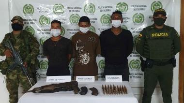 Tres capturados en medio de combates en el sur de Córdoba