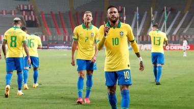 Neymar superó récord de Ronaldo en victoria 4-2 de Brasil ante Perú