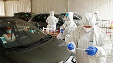 Toque de queda en París y 8 ciudades a partir del sábado para frenar pandemia