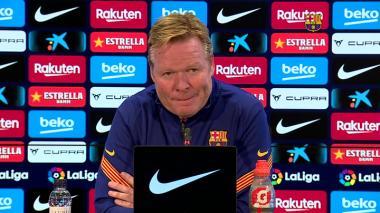 Ronaldo Koeman, DT del FC Barcelona, en ruda de prensa.