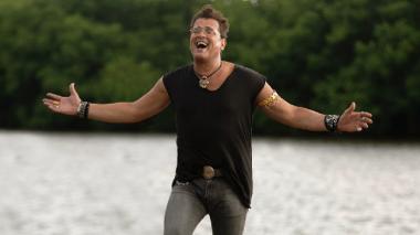Carlos Vives en una de las escenas del video 'Cumbiana'.