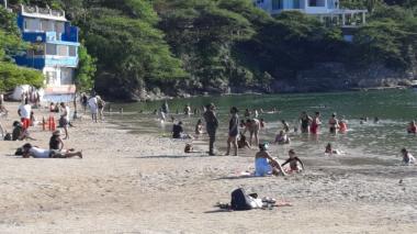122.132 personas han visitado playas samarias en un mes de la reapertura