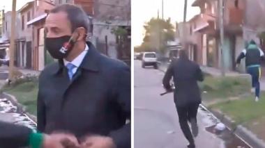 En video | Mientras hablaba de inseguridad, periodista fue robado en vivo